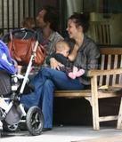 "Maggie Gyllenhaal From the Sidney Lumet tv film 'Strip Search'... Foto 107 (Мэгги Джилленхол От телевизора Сидни Люмет фильм ""Газ Поиск"" ... Фото 107)"