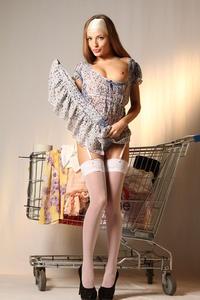 http://img153.imagevenue.com/loc17/th_999749438_tduid300163_MetArt_Entita_Alyssa_A_high_0044_123_17lo.jpg