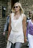 Maria Sharapova - Page 2 Th_30250_IML_10416PCN_Maria02
