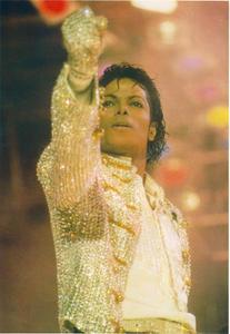 1984 VICTORY TOUR  Th_753864814_6884001080_6d33077a74_b_122_218lo