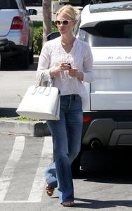 January Jones Grocery shopping at Whole Foods in Calabasas 07-08-2014