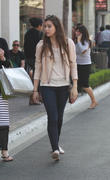 Hailee Steinfeld Shopping at The Grove in Los Angeles 04/26/13 (HQ)