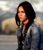 Megan Fox @ more Transformers press stills (18 UHQ)