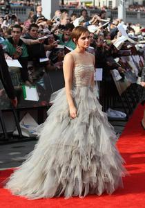 Эмма Уотсон, фото 574. Actress Emma Watson attends the World Premiere of Harry Potter and The Deathly Hallows - Part 2 at Trafalgar Square on July 7, 2011 in London, England., photo 574
